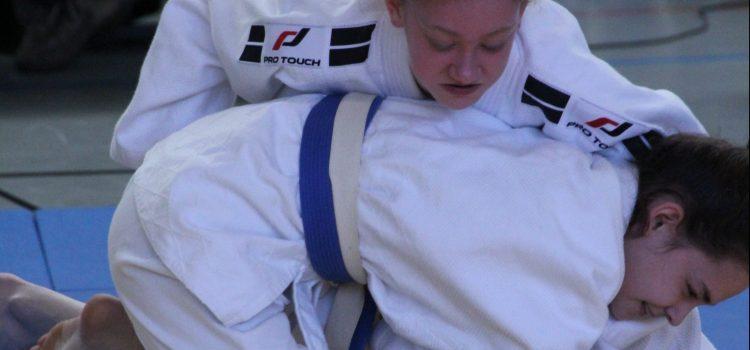 Judo: Erfolgreiche Bezirkseinzelmeisterschaften der U15 und U18